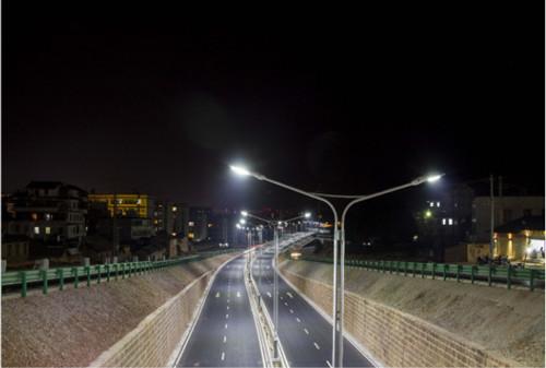 道路照明亮化