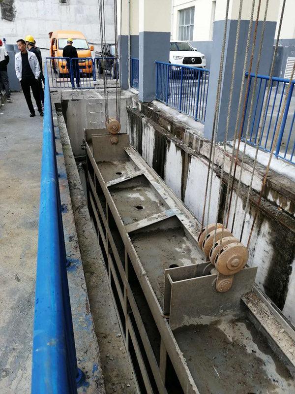 水电闸门检查