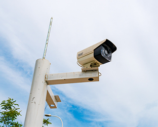 万博手机登陆太原汾河公园监控杆灯杆