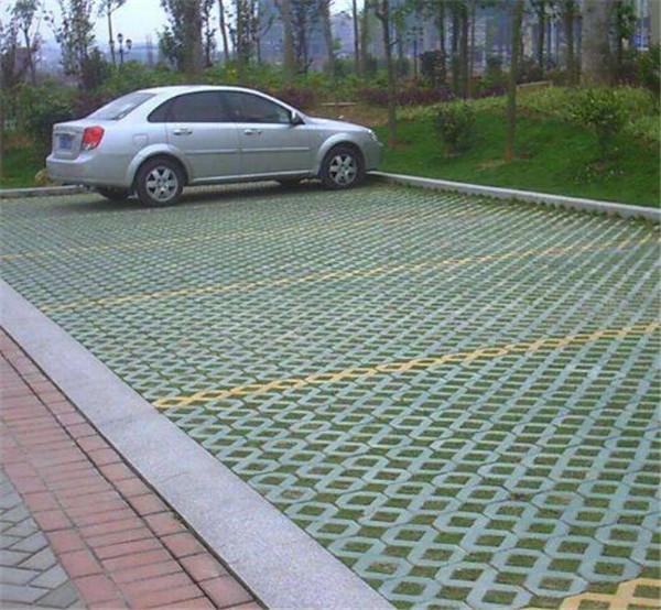 河南某公园植草砖正式完工