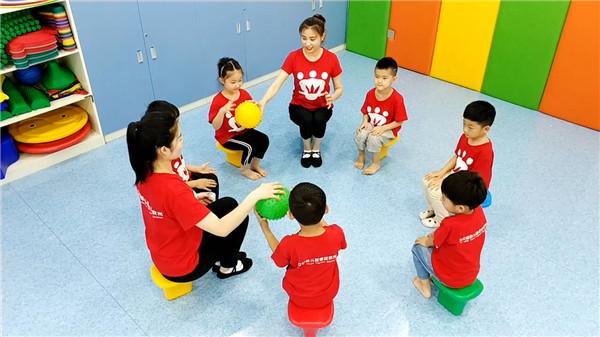 孩子语言发展缓慢,应该如何进行开封儿童语言能力训练呢?