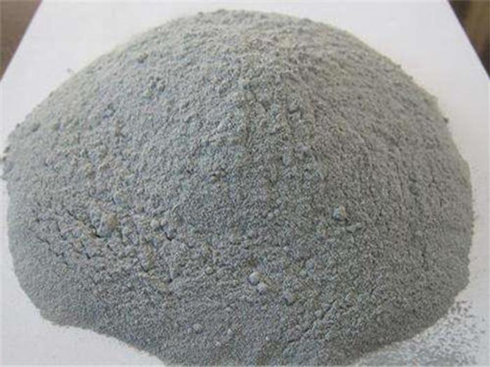 二氧化硅微粉对高性能混凝土强度的影响。