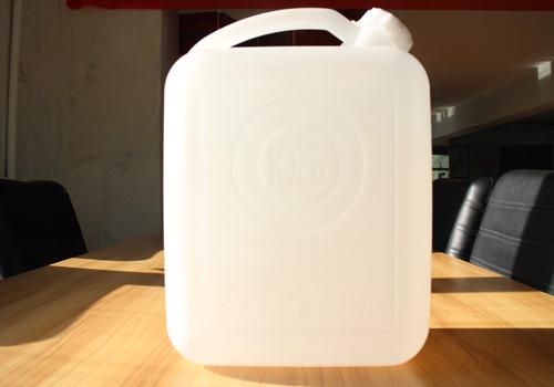 某公司购买10kg塑料酒桶