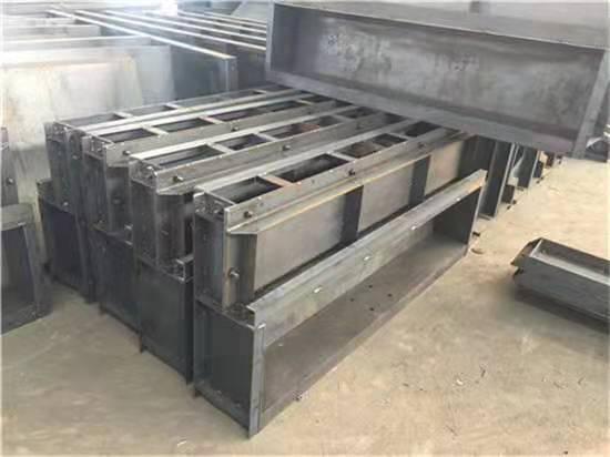 防撞墙模板厂家的工程应用介绍