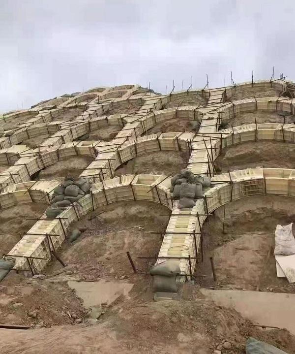 2021年3月河南塑料拱形护坡模具施工作业