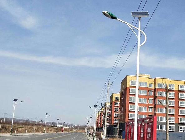 四川路灯厂家介绍双臂路灯的技术要求.