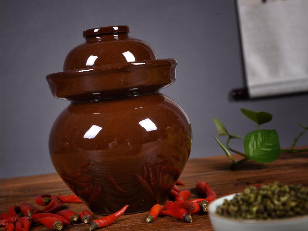 四川土陶泡菜坛-红釉雕花