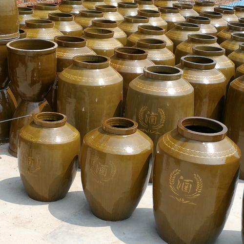 简析四川陶瓷酒坛和四川土陶酒坛有什么本质区别