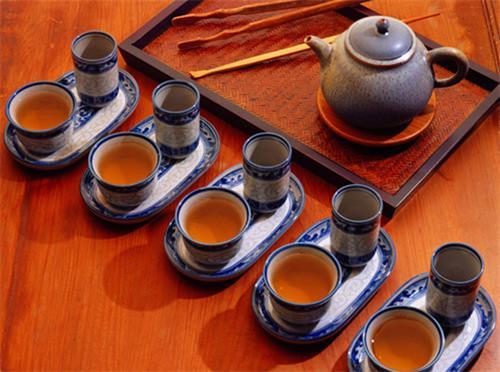 饮茶礼仪前我们应该学习的六个注意事项