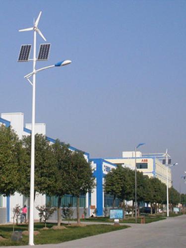 成都太阳能路灯-风光互补