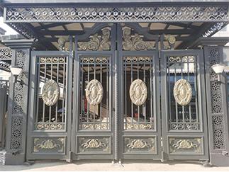 中式铁制大门