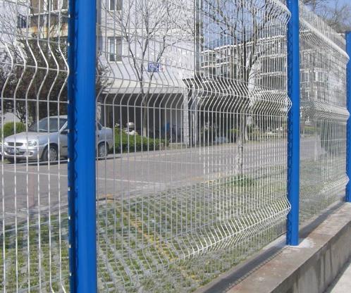 公路护栏网和铁路护栏网安装方法是一样的吗?