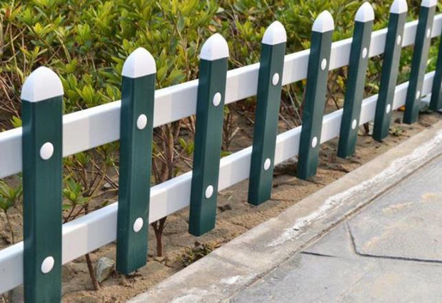 铝合金草坪护栏