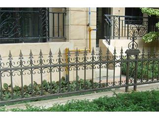 公寓锻造围栏