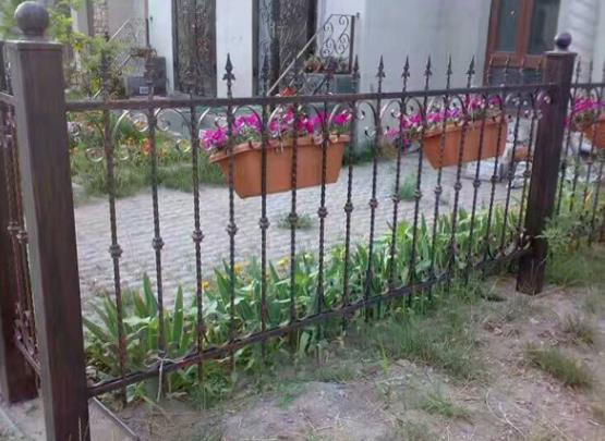 家用铁质护栏