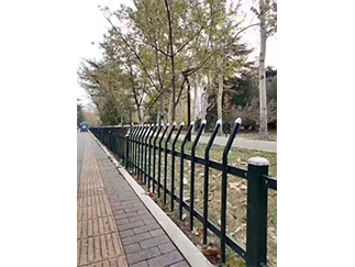 简易草坪护栏