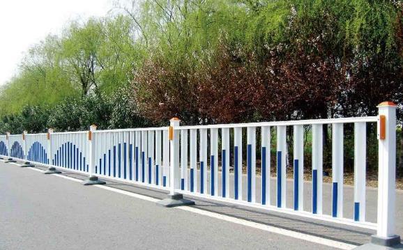 市政护栏在交通安全上作用竟有如此之大!
