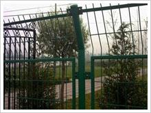 防撞新疆护栏网必须具备的强度及韧性是多少?
