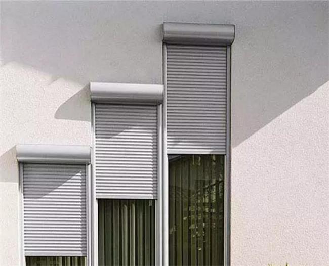 别墅电动卷帘窗帘的四种产品应用形式