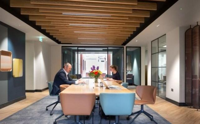 办公室会议室装修怎样才能隔音效果好呢?