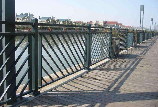 有必要了解下四川桥梁护栏的一个作用