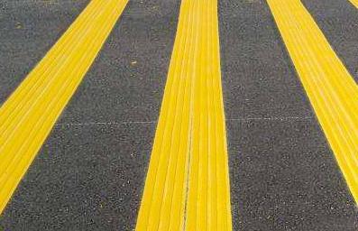 这8种不同颜色、形态的道路交通标线,有什么作用呢?