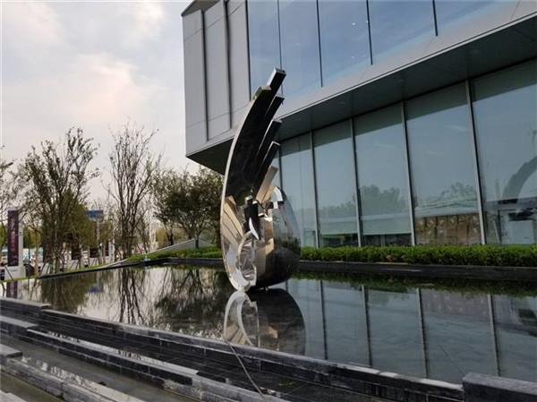 河南不锈钢雕塑