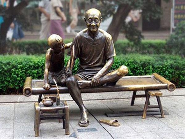 玻璃钢雕塑可以通过这几种办法来做出仿铜效果