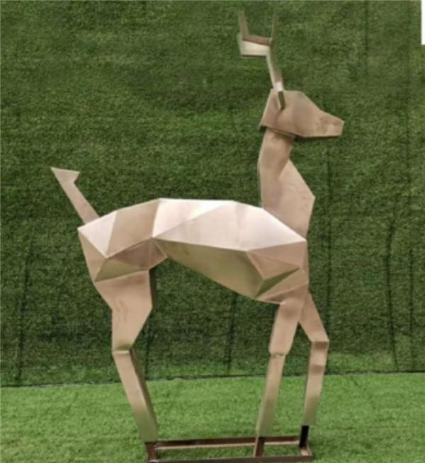 几何不锈钢雕塑