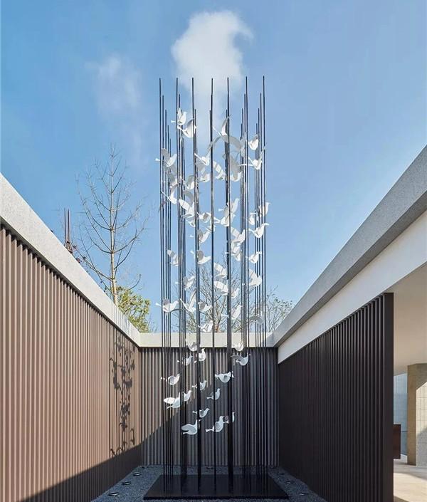 河南不锈钢雕塑展示