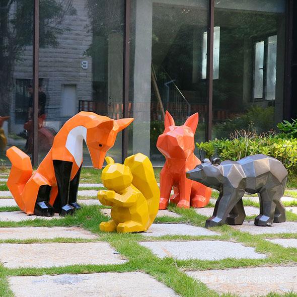 松鼠卡通玻璃钢雕塑