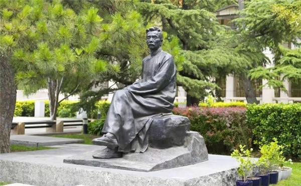 河南不锈钢雕塑厂家告诉你不同位置放置的铜雕塑都有什么样的意义?