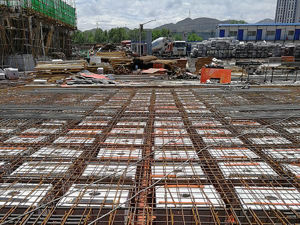 浇筑空心楼盖混凝土的工程施工常见问题有什么