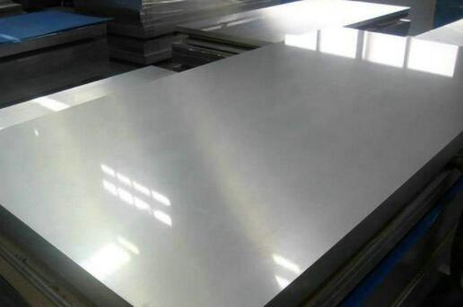 在装饰工程中该选用铝合金还是不锈钢板材