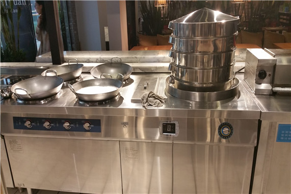 如何对不锈钢厨具设备进行保养?