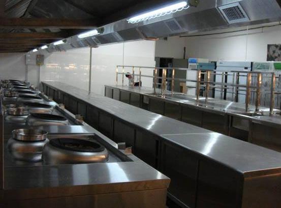 使用山西商用厨房设备时需要注意哪些事项
