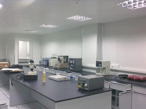 恒温恒湿实验室的工作原理