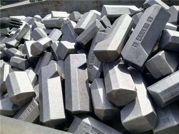 对于洛阳锤牙你了解多少呢?关于花岗岩耐磨锤牙的特点大家可以学习一下!