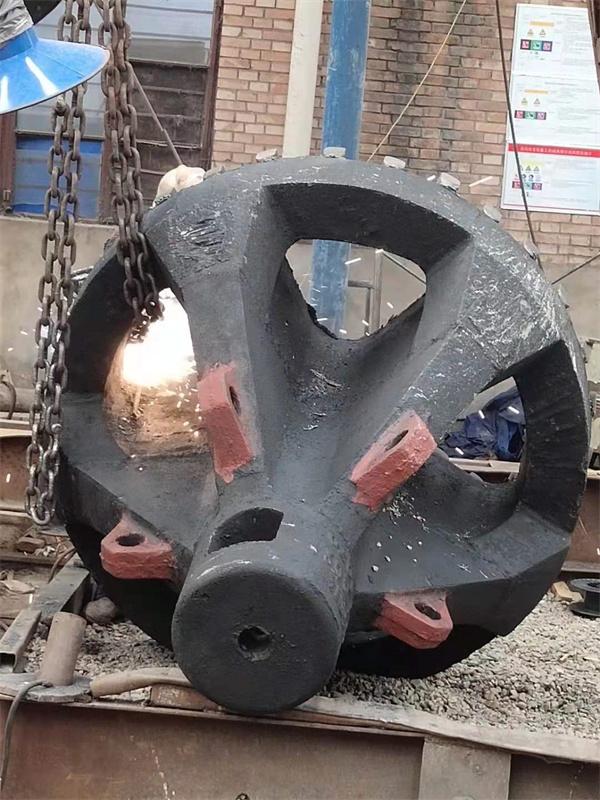 洛阳锤式破碎锤头需要多久更换一次?一般锤头哪种材质质量更好一些了?