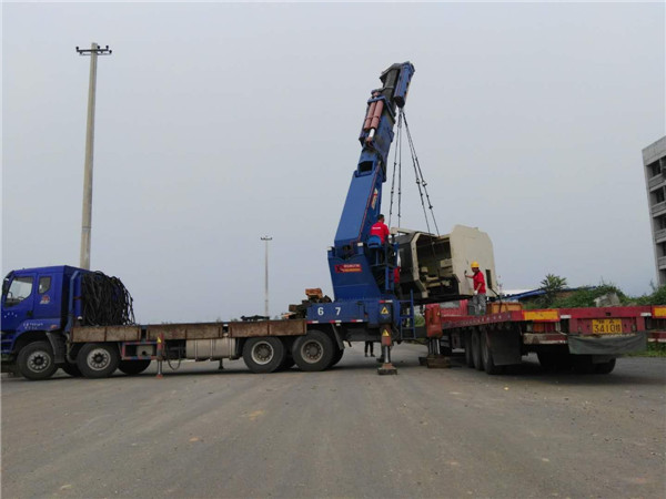 西安龙利达重型设备告诉你大型设备的吊装带操作安全管理