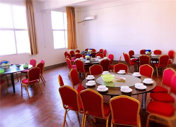 餐厅-桌子