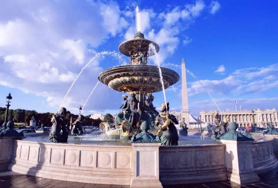 关于喷泉设计中水池与管道材料的选择,你知道吗?