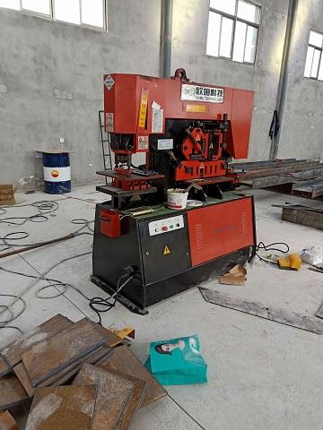 感谢西安周至模板厂彭总采购我们厂的重型液压联合冲剪机Q35-20