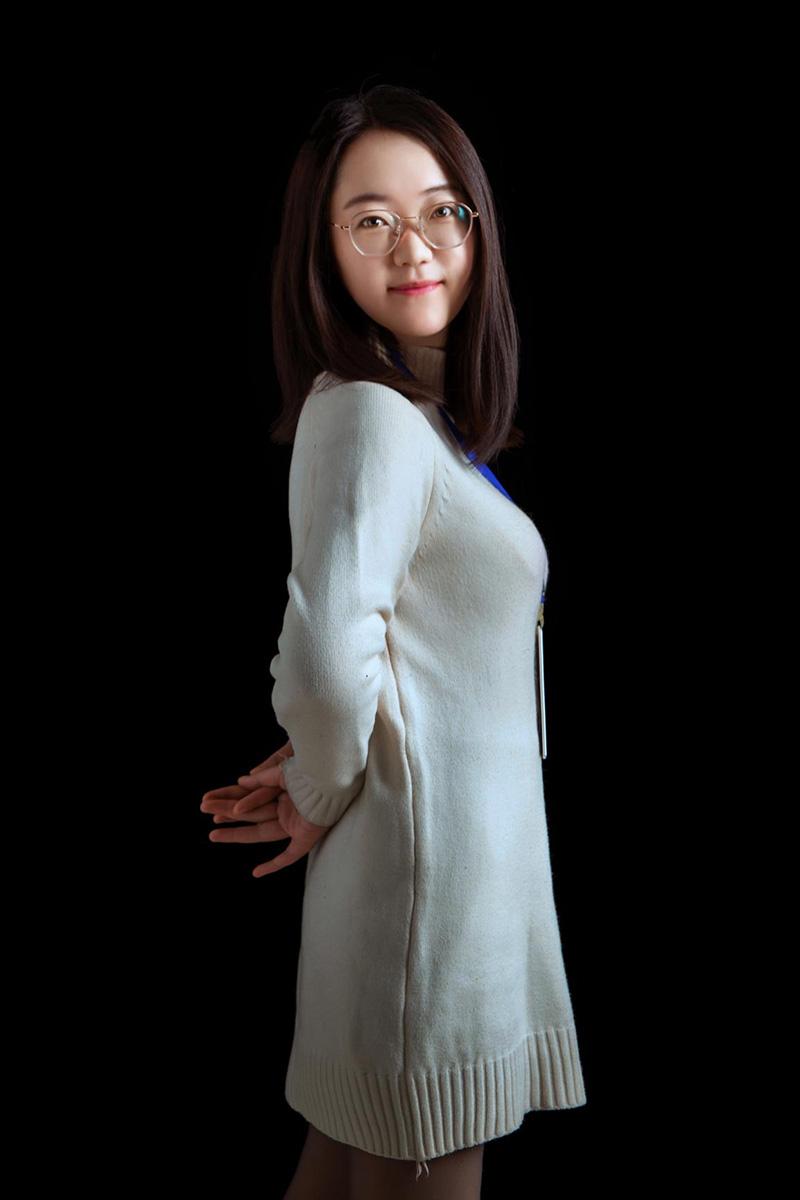 樊娟娟-艺博美术办公室老师