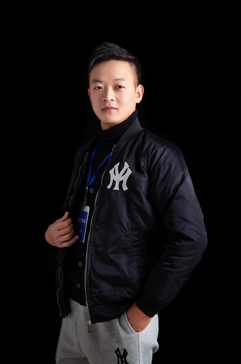巩云杰-艺博美术速写主教