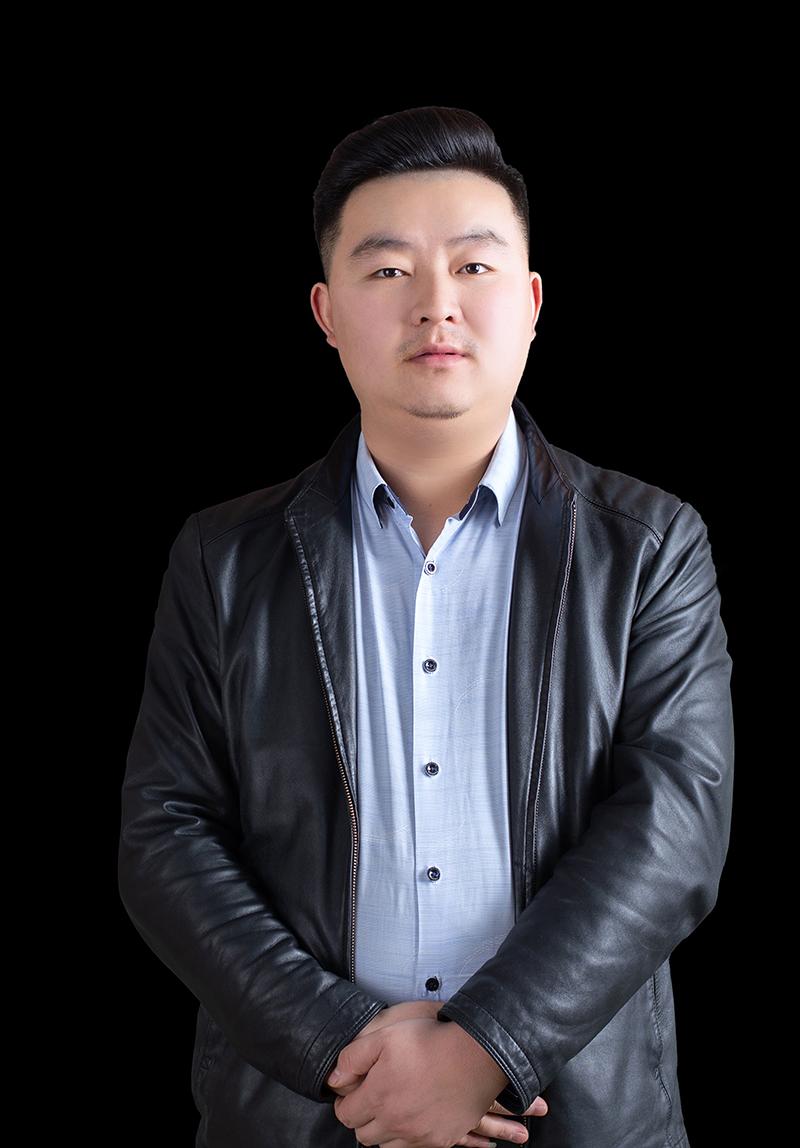 卢楚明-艺博美术校长