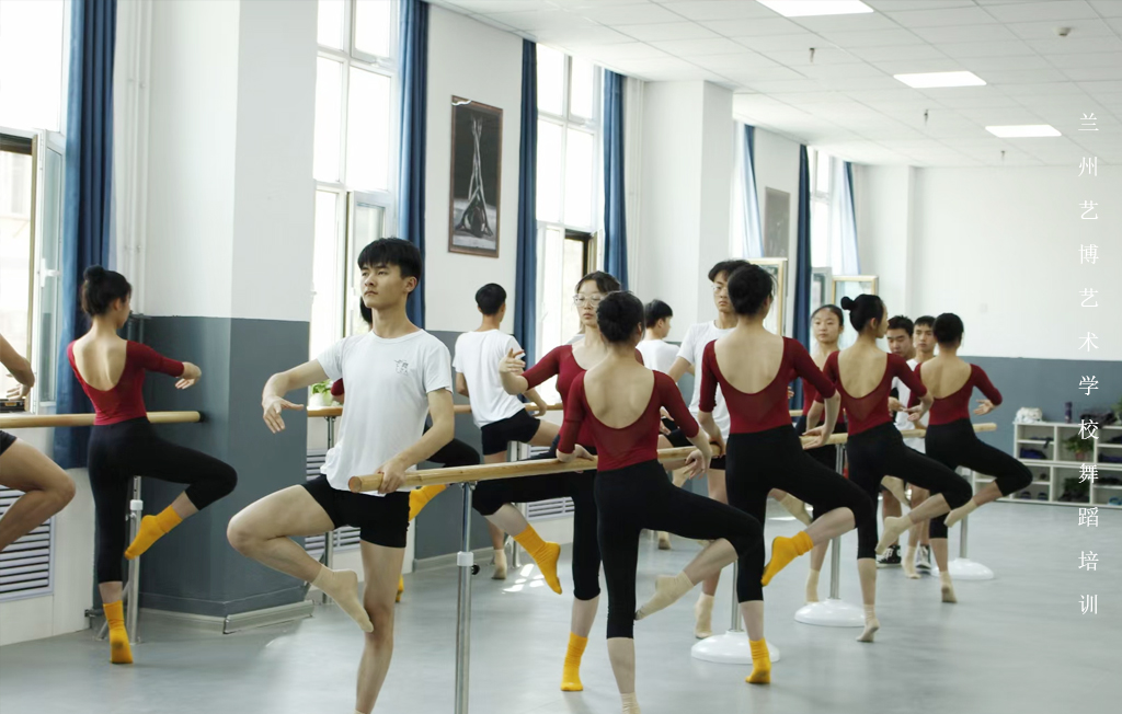 建议收藏!几种舞蹈生必看的压胯方法,满满都是干货
