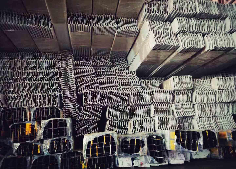 卷帘门材料仓库