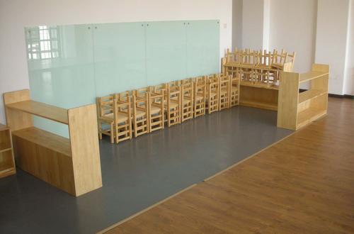 这几点充分体现了幼儿园家具的讲究性