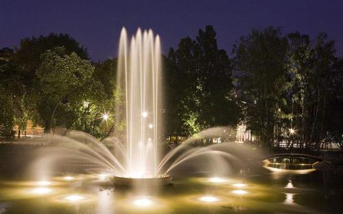 场景运用中四川广场音乐喷泉的有四种控制系统